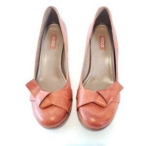 Ecco Leather Brown Bow Tie Heel Shoes.
